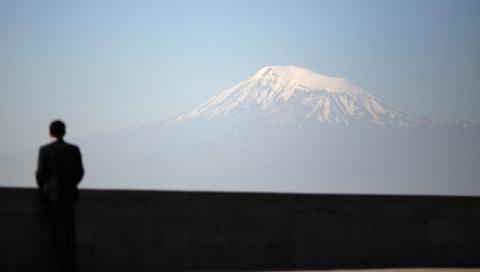 На горе Арарат найдены доски…