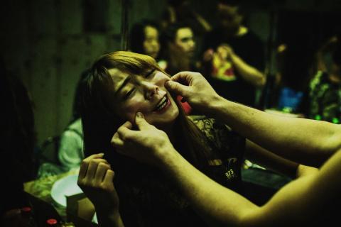 Когда воздух пропитан сексом: серия откровенных фотографий, сделанных в одном из ночных клубов Гонконга