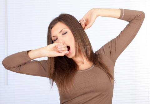 Почему человек часто зевает, и опасно ли это?