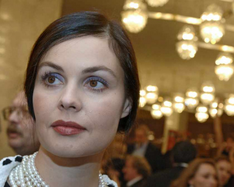 Екатерина Андреева впервые показала своего мужа. И зачем она такому красавцу