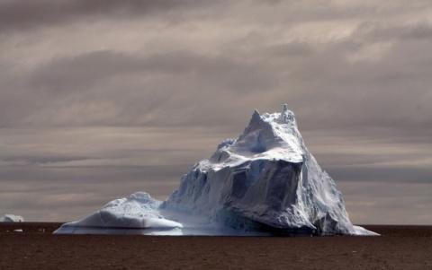 Сказочная Антарктида: континент, укутанный в перламутр облаков