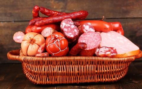 Корзинка с колбасой для Улюкаева