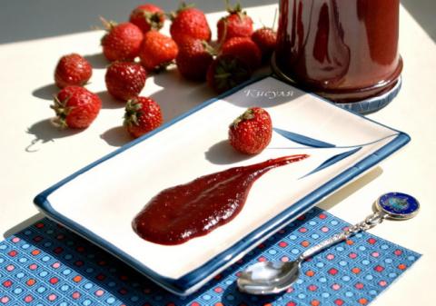 Клубничный соус с чили и имбирем