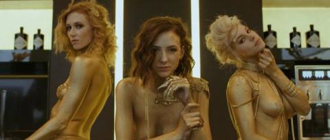 Продавец виллы снял эротический клип, чтобы привлечь покупателей