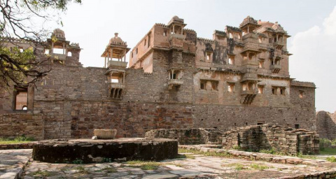 Читторгарх: крепость раджпут…