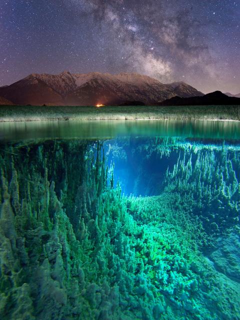 Млечный Путь, горный пейзаж и сумрачные глубины в одном изображении