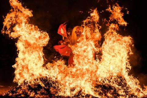 Японский дух огня проходит с…