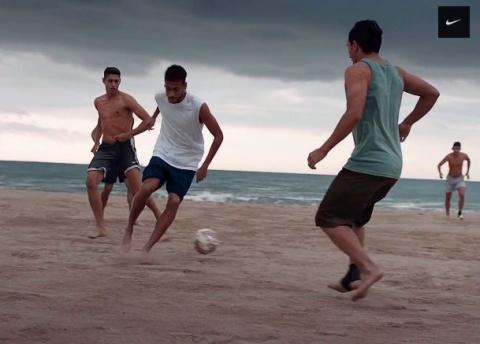 Nike предложил залезть в голову футболистам
