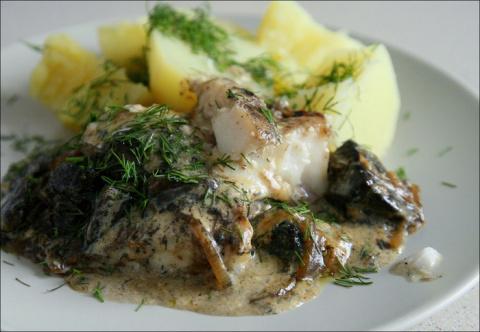 Рыба с белыми грибами