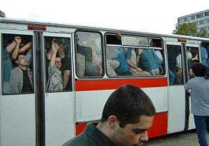Зевнул в автобусе - устроил флэшмоб.
