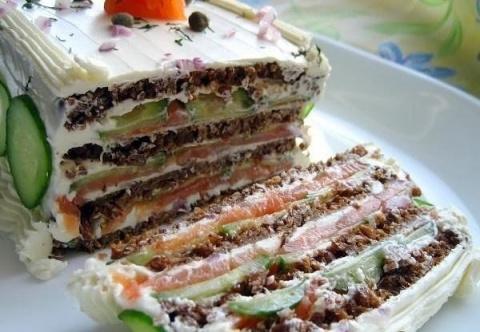ЗАКУСОЧНЫЙ ДЕНЬ. Бутербродный торт с лососем