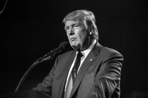 Дональд Трамп решил изменить «шестерке»