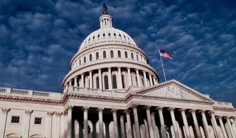 В США зреет политическая бур…
