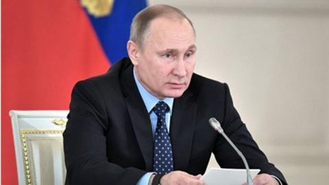 Путин внес в Думу закон, обя…