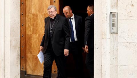 Главу секретариата Ватикана …