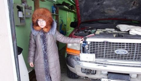 14-летняя ученица решает зимнюю проблему автомобилистов