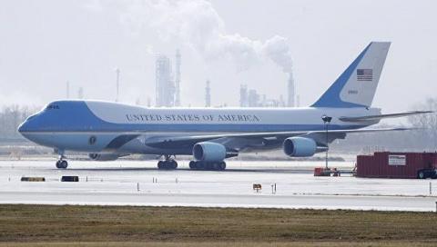 Самолет президента США мог в…