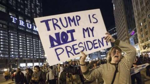Не, а чё? все как везде: Участникам протестов против Трампа платят 50 долларов в час, — СМИ
