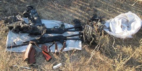 Новости Крыма: пограничники обнаружили тайник с оружием и боеприпасами