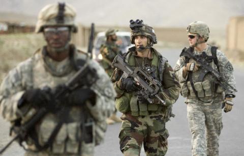 Вашингтон убивает, а не стро…
