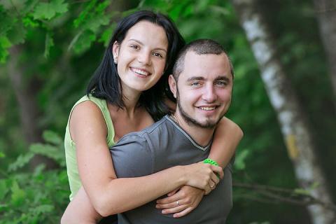 В Подмосковье ревнивый муж вывез жену в лес и пытал, отрубая топором пальцы