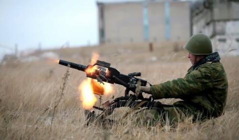 ЛНР: сводка за ночь — обстрелы из БМП и стрелкового  оружия