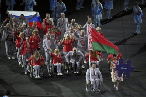 IPC опознал белоруса, несшего российский флаг на открытии Паралимпиады-2016
