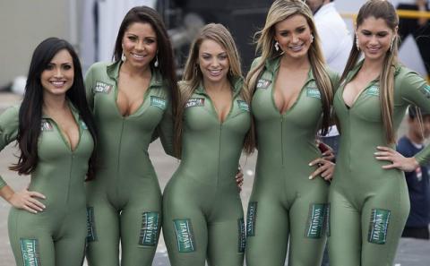 Девушки с бразильского автошоу