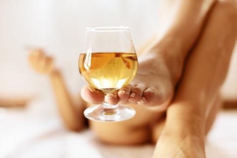 Характер женщины и её любимый алкогольный напиток)