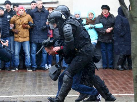"""Лукашенко о Путине:""""Мы родны…"""