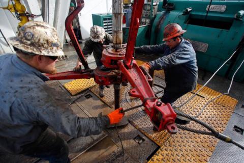 Запасы сланцевой нефти США и…