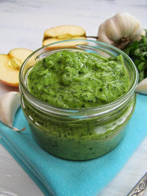 Очень вкусный зеленый соус