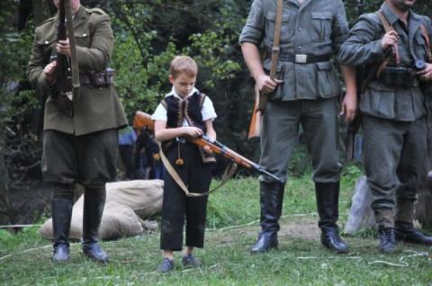 Школа ненависти: Как Украина Майдана уродует детей