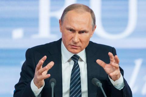 Вот этими вот руками: Путин …
