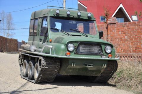 Из УАЗ, ГАЗ и Mazda построили гусеничный вездеход