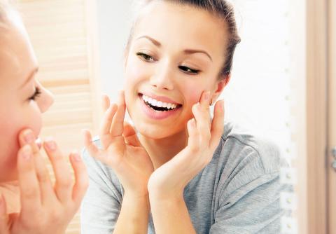 Как быстро очистить кожу лица: 5 лайфхаков