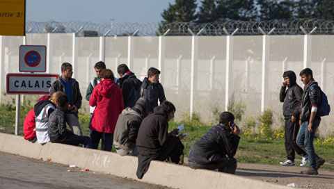 Во Франции пресекли попытку перебросить мигрантов в Британию самолетом
