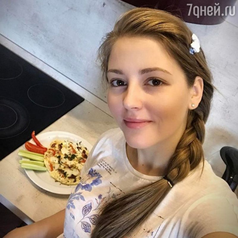 Салат с помидорами черри и к…