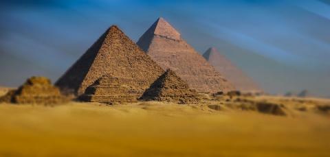 Гипотеза: Пирамиды строились…