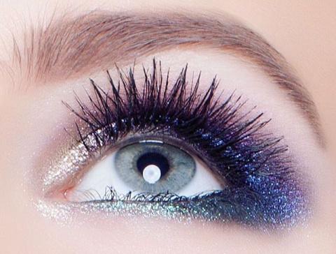 Красим серо-голубые глаза