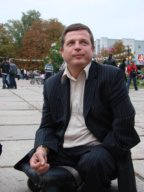 Война на Донбассе будет продолжаться — власти Украины готовят места на кладбище. Алексей Журавко