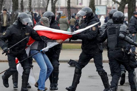 Дороги в Европу нет. Лукашенко возвращается?