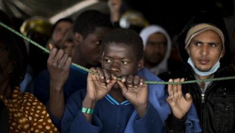 """Африка угрожает Европе """"миллионом мигрантов"""""""