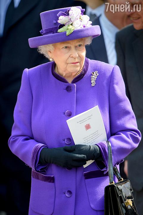 Елизавета II и еще 4 монарха…