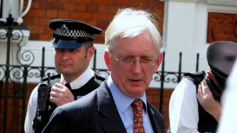 В WikiLeaks раскрыли организатора утечки переписки из штаба Клинтон