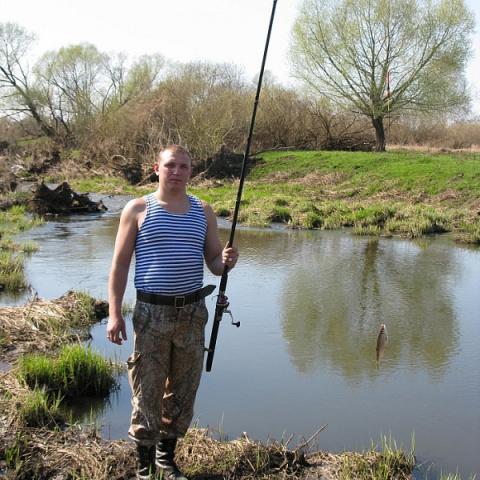 Весенняя ловля плотвы на ручейника