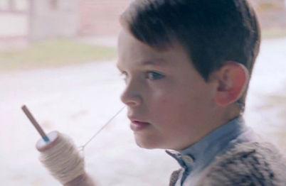 В рекламе Mercedes спасает мир от Гитлера