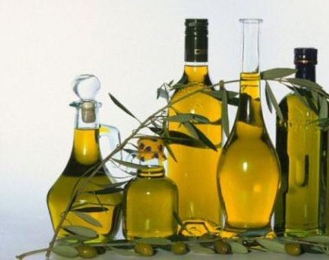 Оливковое масло – жидкое золото для женской красоты!