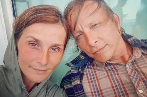 После критики поклонников Иван Охлобыстин удалил фото жены в гробу Лазаря