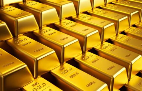 Золото взлетело до двухмесяч…